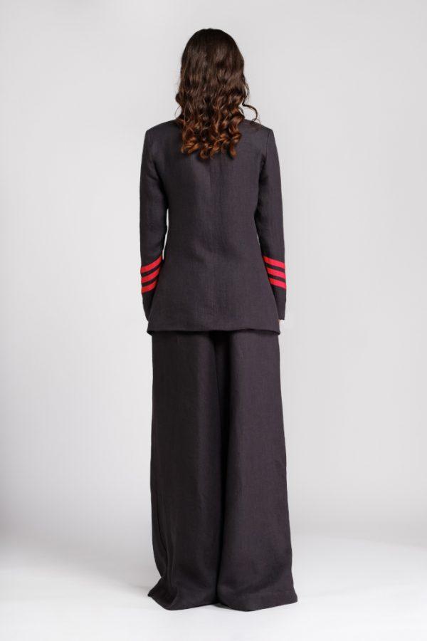 giacca in canapa nera con dettagli dietro