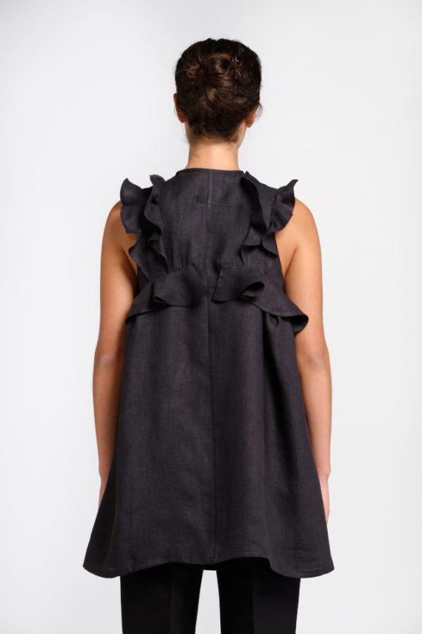 blusa nera in canapa con volant dietro